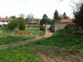 Pohled do 200m vzdálené vesnice