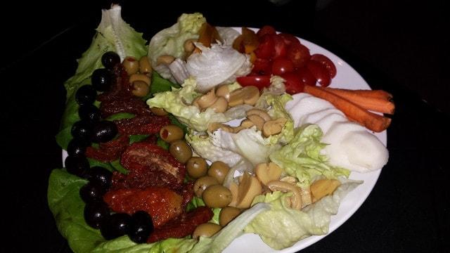 Obložený zeleninový talíř