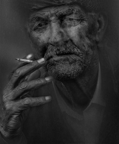 Pobyt ve tmě a kouření