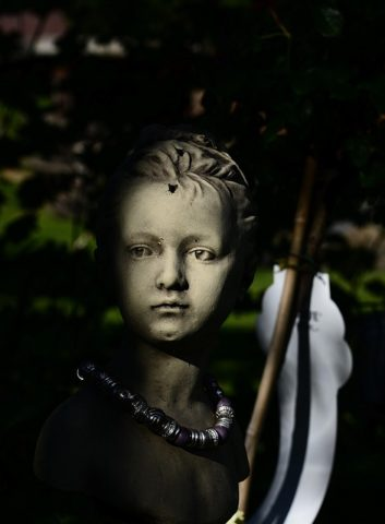 Pobyt ve tmě a dětství